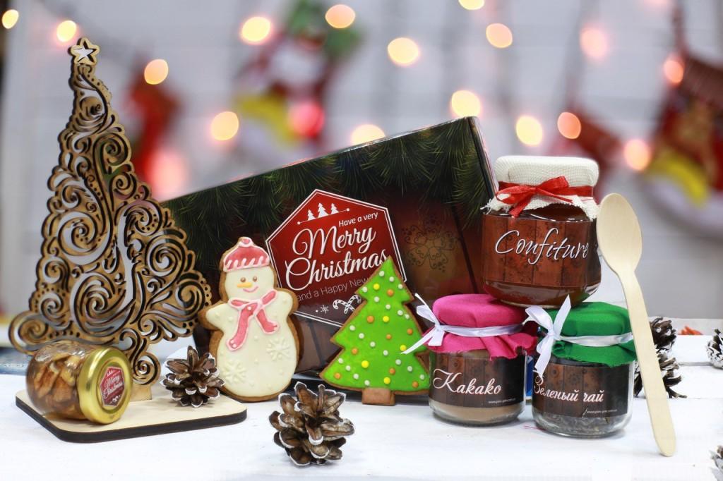 Корпоративные подарки и сувениры на Новый год
